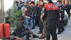 Gemlik'te Suriyeliler Birbirlerini Bıçakladı, 1 Ağır 3 Yaralı