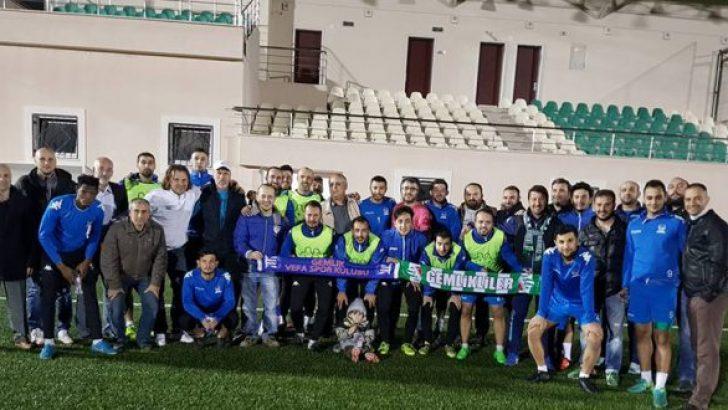 Bursasporlular Gemlikspor ve Vefaspor'a moral ziyareti