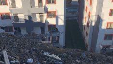 Çöken İstinat Duvarı Binayı Kullanılamaz Hale Getirdi
