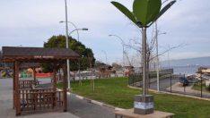 Gemlik Belediyesi'nden Güneş Enerjili Şarj İstasyonu