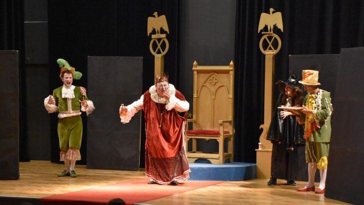 Kralın Diş Ağrısı Gemlik'te Ayakta Alkışlandı