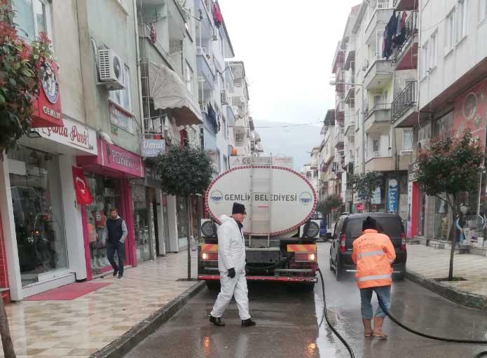 Caddelerde Dezenfekte Çalışması Başladı